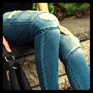 Denim - Chic distressed high waist skinny jeans